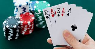 mộng thấy đánh bài
